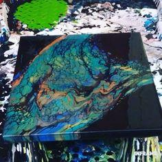 Canvas Painting Tutorials, Diy Canvas Art, Painting Techniques, Acrylic Pouring Art, Acrylic Art, Fluid Acrylic, Flow Painting, Pour Painting, Sketchbook Ideas
