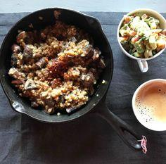Spiced breakfast mushroom risotto and coconut avocado salsa Mushroom Risotto, Salsa, Vegetarian Recipes, Avocado, Stuffed Mushrooms, Spices, Coconut, Cooking, Breakfast