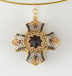 Reversible Pendant 3 Blk Gold Bead Kit 1