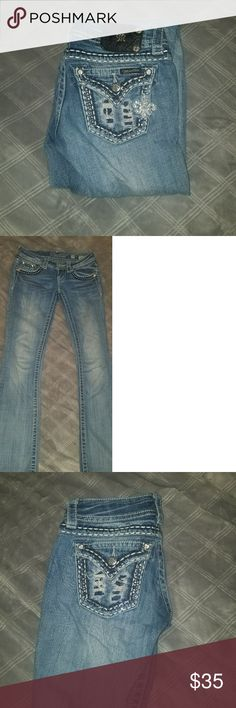 Size 24 Miss Mes Good condition. No holes or tears. Selling cause I dont wear anymore Miss Me Jeans Boot Cut