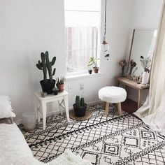 Cactus | White | Black | Interior | Room | More on Fashionchick.nl