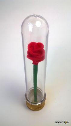 Rosa do Pequeno Príncipe #artesanato #decor #rosa #flor #pequenopríncipe #opequenopríncipe #príncipe #festa #infantil #lembrancinha #façavocemesmo #decoração #feltro #marrispe