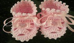 Crochet baby booties - Crochet