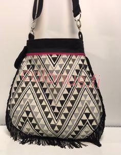 M1350 Shoulder Bag, Bags, Fashion, Handbags, Moda, La Mode, Dime Bags, Fasion, Lv Bags