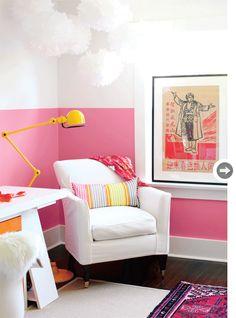 #artroom #homeoffice #pink #white #yellow via styleathome.com #styleathome