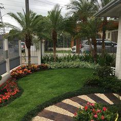 Garden models: 60 green corner ideas to delight you Back Garden Landscaping, Florida Landscaping, Backyard Garden Landscape, Garden Landscape Design, Outdoor Landscaping, Outdoor Gardens, Garden Ideas To Make, Minimalist Garden, Smart Garden