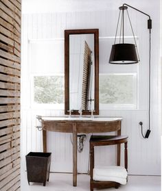 wood & white bathroom
