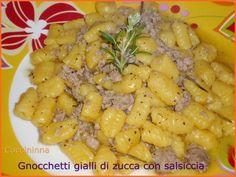 Gnocchetti gialli di zucca con salsiccia