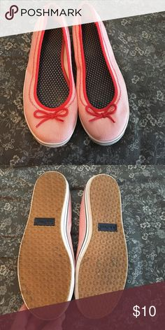 Cute LLBean flats in red Breton stripe pattern 10 Cute and comfy LL Bean sneaker flats in a red Breton stripe pattern. Navy stripe accents on bottom - perfect for summer! Worn once - great condition! Size 10 LL Bean Shoes Flats & Loafers