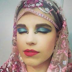 Maquiagem Árabe  ]#vaidosasdebatom #vaidosas #batom #blog #blogueira #blogger #tutorial #dicas #passoapasso #post #instablog #foto #selfie #beleza #beauty #maquiagem #make #makeup #cosmeticos #maquiador #caracterizacao #personagem #visual #tendencia #inspiracao #ideia #followme #pictures #festa #evento #mulher #homem #criança #adolescente #love #arabe #marroquina