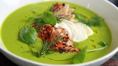 Green pea soup w smoked salmon :) Green Pea Soup, Green Peas, Soup Recipes, Healthy Recipes, Easy Recipes, Frisk, Smoked Salmon, Thai Red Curry, Meal Planning