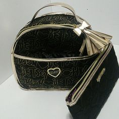 Darling Betsey Johnson Purse & wristlet/ makeup Mini carry bag Use as purse or carry Wristlet or Cosmetic holder attached Betsey Johnson Bags Hobos