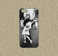 iphone 5c case,Google Nexus 4 case,iphone 5c cases,iphone 5s case,cool iphone 5c case,iphone 5c over,iphone 5 case--kissing,in plastic. by Ministyle360 on Etsy, $14.99