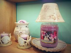 Yankee Candle with shade