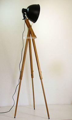 Tripod Stehlampe Scheinwerfer Stehleuchte Dreibein Holz Stativ Lampe Retro 60er 1960-1969 Bild
