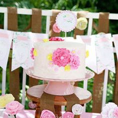 A Pretty Floral Fourth Birthday Party!