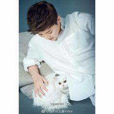 170328 Photographer Wang Xin weibo update with Luhan (2/9) Cr. @luking0420 💚 HE LOOKS SOOOO HANDSOME!!!! 😭
