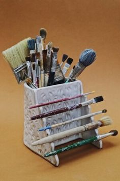 Ceramic Clay, Ceramic Pottery, Pottery Art, Ceramic Brush, Ceramic Decor, Clay Art Projects, Ceramics Projects, Diy Clay, Clay Crafts