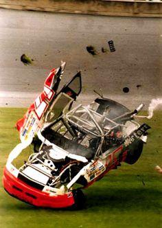 NASCAR: Dismantled DW having a bad day