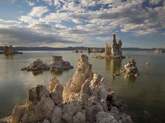 This landscape might be just a little too alien to qualify as EarthPorn. Mono Lake California. [OC][4781x3561]