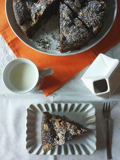 Tè verde e pasticcini: { Cakes } - Torta di cioccolato con pere abate e mandorle