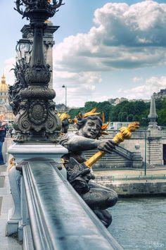 Le pont des Invalides à Paris