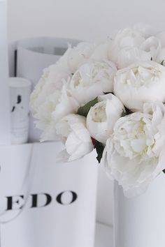 Love Flowers, White Flowers, Pink Peonies, Greenery, Boutique, Bloom, Rose, Plants, Decorations