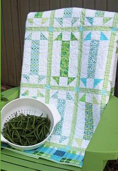 String Beans quilt by Loft Creations - Strip Quilts, Easy Quilts, Small Quilts, Quilt Blocks, Children's Quilts, Mini Quilts, Quilting Tutorials, Quilting Projects, Quilting Designs