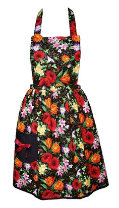 Full Apron: Black and Gold Floral: the bow on the pocket is a sweet touch.