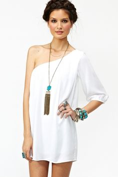 One shoulder with thick bangles and long necklace