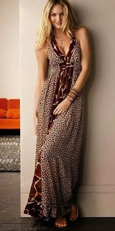 maxi's travel well and can dress up or down. Tie up sides and wear for beach cover-up. Maxi Robes, Halter Maxi Dresses, Dress Skirt, Dress Up, Boho Chic, Boho Fashion, Fashion Outfits, Dress Fashion, Modelos Fashion