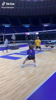 Volleyball Passing Drills, Volleyball Jokes, Football Training Drills, Volleyball Skills, Volleyball Practice, Volleyball Training, Volleyball Workouts, Volleyball Pictures, Women Volleyball