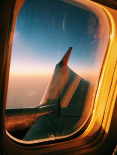 ☆ P I N : kate barclay ☆ Cute Pictures, Beautiful Pictures, Above The Clouds, Adventure Is Out There, Personal Photo, Airplane View, Wanderlust, Sky, Photography