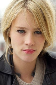 #Canadian Actress Mackenzie Davis #The Martian