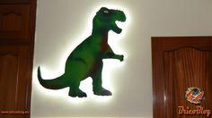 Dinosaurio decorativo DIY. Te mostramos, paso a paso, cómo realizar un dinosaurio decorativo infantil retro iluminado de gran tamaño, que hace perfectamente la función de lámpara. https://www.bricoblog.eu/como-hacer-un-dinosaurio-decorativo-infantil/ #Bricolaje #Decoración #Diy