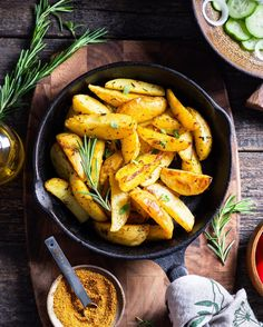 Crispy on the outside and fluffy on the inside, Svanetian Salt Roasted Potatoes are an easy side dish that goes with pretty much any meal!😋 Choose your favourite seasonings from our online shop, link in bio ☝️ Roasted Potatoes, Side Dishes Easy, Carrots, Spices, Salt, Vegetables, Link, Pretty, Food