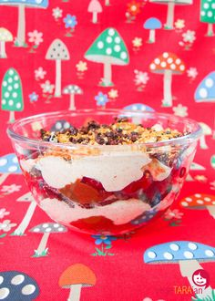 Cherry and Oreo trifle (vegan) - vegeTARAian