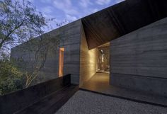 Desert Courtyard House - Wendell Burnette Architects. Stunning simplicity of form and material palette.