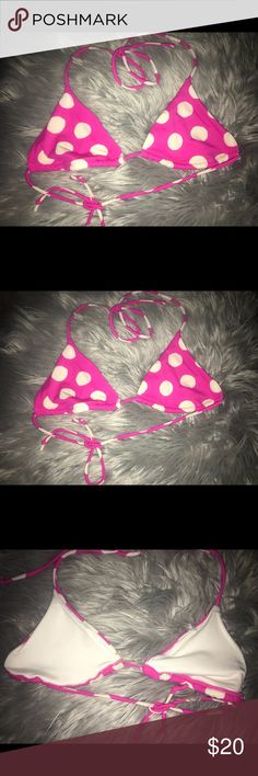 🌟VS TRIANGLE POLKA DOT TIE BIKINI TOP🌟 Old style vs bathing suit top!  Mix with some black or white bottoms😍  Size Small/Medium (tag removed but that's my top size 34B)  No paddings inside (borrow from another top of yours!) Victoria's Secret Swim Bikinis