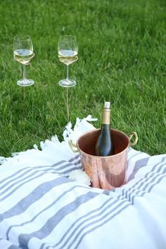 Summer Party Ideas & Hacks for Easy Entertaining | Apartment Therapy
