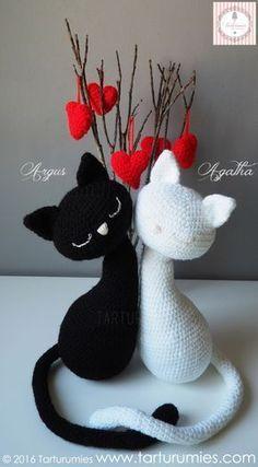 Gatos - Cats Agatha y Argus - free crochet pattern in English or Spanish at Tarturumies.
