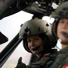 @turk_silahlikuvvetleri Turkish Female Pilot