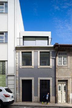 Bonjardim House,Courtesy of ATKA arquitectos