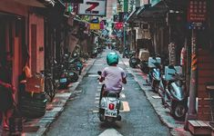 How to get around Taipei? — 3 best way to get around Taipei & how to go around Taipei? - Living + Nomads – Travel tips, Guides, News & Information! Ways To Travel, Travel Tips, Taipei Metro, National Palace Museum, Sightseeing Bus, High Speed Rail, Bus Route, Double Decker Bus, Bus Tickets