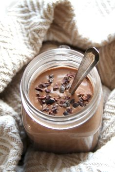Made with wholesome ingredients and loaded with fiber and plant based protein, t.Made with wholesome ingredients and loaded with fiber and plant based protein, this vegan hot chocolate breakfast smoothie is healthy and comforting. Vegan Smoothies, Smoothie Drinks, Healthy Chocolate Smoothie, Vegan Breakfast Smoothie, Oatmeal Cookie Smoothie, Healthy Filling Breakfast, Coconut Milk Smoothie, Nutritious Smoothies, Oat Smoothie