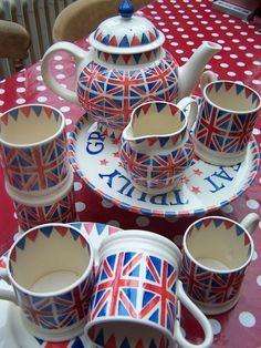 Emma Bridgewater Union Jack Tea Set ***Yes Please*** … Union Jack, Emma Bridgewater Pottery, Dandelion Designs, Union Flags, British Things, England, Cuppa Tea, Blackpool, High Tea