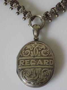 Beautiful Victorian Silver REGARD photo locket pendant on collar book chain Chain Jewelry, Jewelry Art, Jewelry Design, Jewellery, Victorian Jewelry, Antique Jewelry, Locket Necklace, Pendant Necklace, Mourning Jewelry