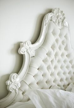 tufted headboard ---> http://www.guehnemade.com/2012/03/tufted-headboards.html