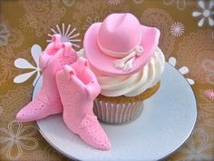 Cowgirl Cupcakes. How Adorable!!♛♥SJJ♥♛