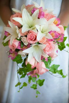 White lily and peach rose cascade